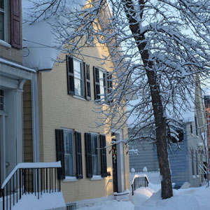 Old Yellow House Stockade NY Winter